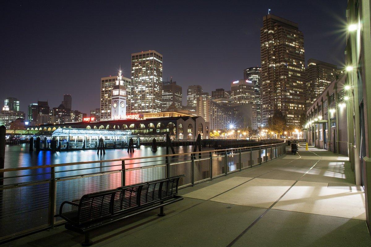 Постер Сан-Франциско Сан-Франциско, город в ночное времяСан-Франциско<br>Постер на холсте или бумаге. Любого нужного вам размера. В раме или без. Подвес в комплекте. Трехслойная надежная упаковка. Доставим в любую точку России. Вам осталось только повесить картину на стену!<br>
