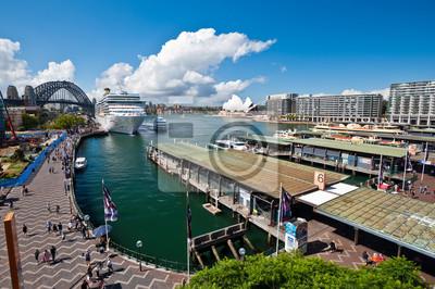 Постер Сидней Circular Quay - Сидней, АвстралияСидней<br>Постер на холсте или бумаге. Любого нужного вам размера. В раме или без. Подвес в комплекте. Трехслойная надежная упаковка. Доставим в любую точку России. Вам осталось только повесить картину на стену!<br>