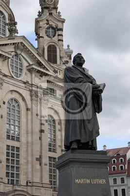 Постер Дрезден Мартин Лютер Памятник в Дрездене возле ФрауенкирхеДрезден<br>Постер на холсте или бумаге. Любого нужного вам размера. В раме или без. Подвес в комплекте. Трехслойная надежная упаковка. Доставим в любую точку России. Вам осталось только повесить картину на стену!<br>
