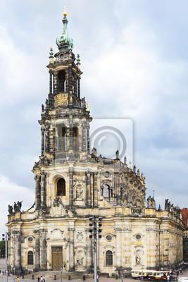 Постер Дрезден Дрезден Фрауенкирхе (церковь Богоматери) ДрезденДрезден<br>Постер на холсте или бумаге. Любого нужного вам размера. В раме или без. Подвес в комплекте. Трехслойная надежная упаковка. Доставим в любую точку России. Вам осталось только повесить картину на стену!<br>