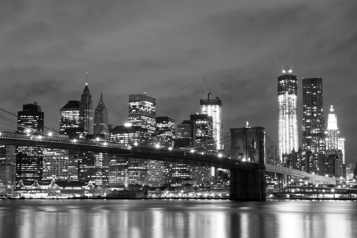 Постер США Бруклинский Мост и Манхэттен Ночью, Нью-ЙоркСША<br>Постер на холсте или бумаге. Любого нужного вам размера. В раме или без. Подвес в комплекте. Трехслойная надежная упаковка. Доставим в любую точку России. Вам осталось только повесить картину на стену!<br>