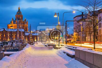 Постер Финляндия Зимой в ХельсинкиФинляндия<br>Постер на холсте или бумаге. Любого нужного вам размера. В раме или без. Подвес в комплекте. Трехслойная надежная упаковка. Доставим в любую точку России. Вам осталось только повесить картину на стену!<br>