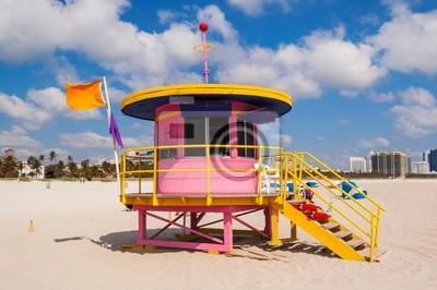 Постер Майами Розовый Lifeguard Станции в Майами-БичМайами<br>Постер на холсте или бумаге. Любого нужного вам размера. В раме или без. Подвес в комплекте. Трехслойная надежная упаковка. Доставим в любую точку России. Вам осталось только повесить картину на стену!<br>