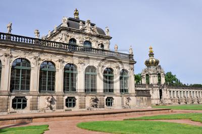 Постер Дрезден Цвингер-дворец, Дрезден (Германия)Дрезден<br>Постер на холсте или бумаге. Любого нужного вам размера. В раме или без. Подвес в комплекте. Трехслойная надежная упаковка. Доставим в любую точку России. Вам осталось только повесить картину на стену!<br>