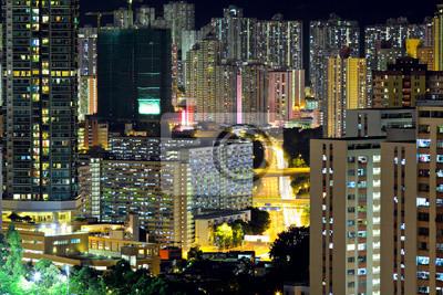 Постер Гонконг Гонконг стесненных городских ночьюГонконг<br>Постер на холсте или бумаге. Любого нужного вам размера. В раме или без. Подвес в комплекте. Трехслойная надежная упаковка. Доставим в любую точку России. Вам осталось только повесить картину на стену!<br>