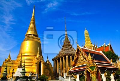 Постер Бангкок Wat pra Изумрудного Будды, Королевский дворец ,Бангкок,Таиланд.Бангкок<br>Постер на холсте или бумаге. Любого нужного вам размера. В раме или без. Подвес в комплекте. Трехслойная надежная упаковка. Доставим в любую точку России. Вам осталось только повесить картину на стену!<br>