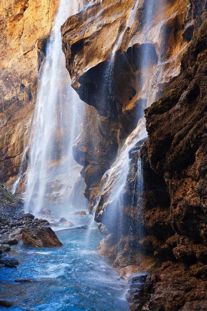 Постер Водопады Кавказский водопады-3Водопады<br>Постер на холсте или бумаге. Любого нужного вам размера. В раме или без. Подвес в комплекте. Трехслойная надежная упаковка. Доставим в любую точку России. Вам осталось только повесить картину на стену!<br>