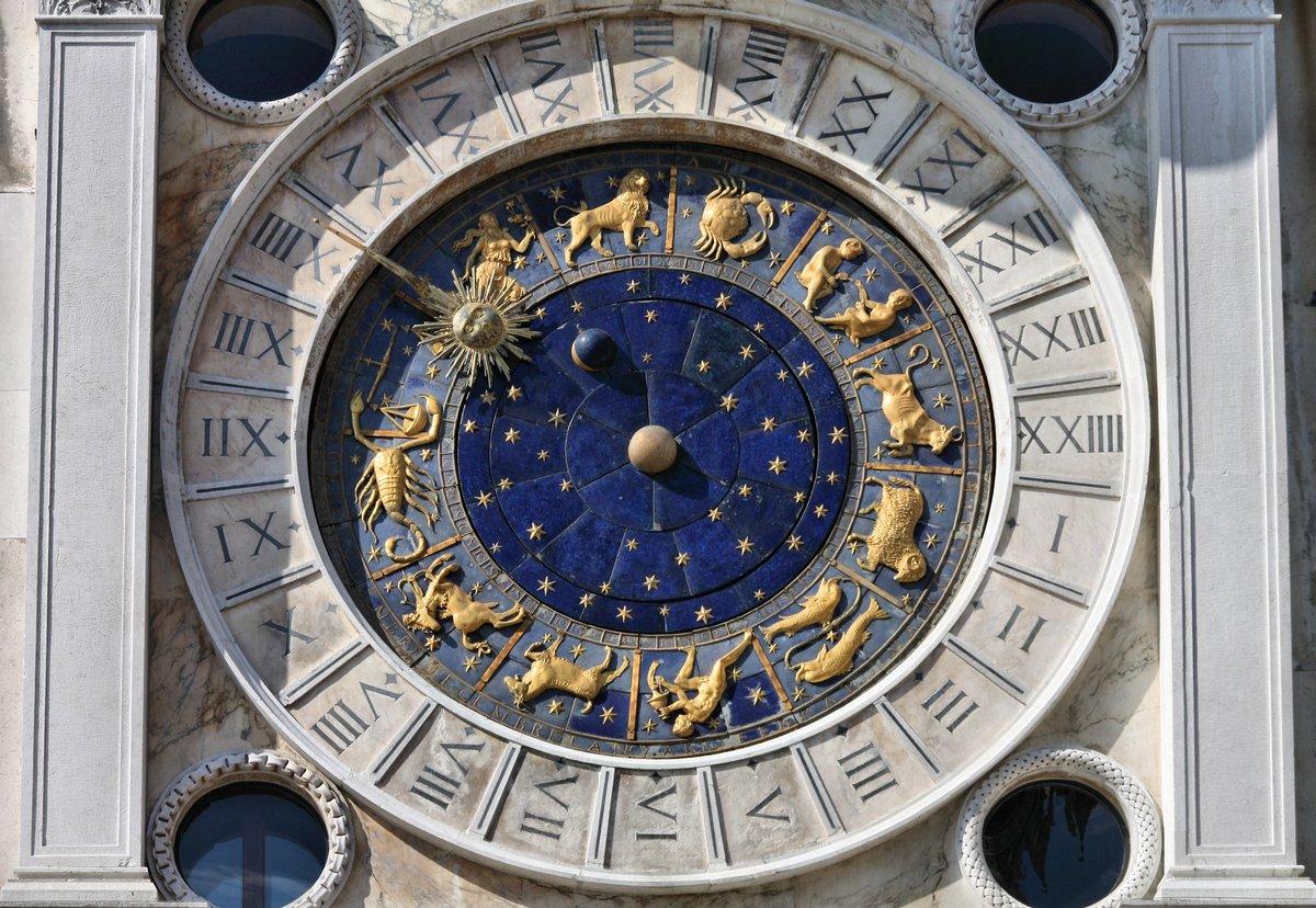 Постер Венеция Астрономические часы, ВенецияВенеция<br>Постер на холсте или бумаге. Любого нужного вам размера. В раме или без. Подвес в комплекте. Трехслойная надежная упаковка. Доставим в любую точку России. Вам осталось только повесить картину на стену!<br>