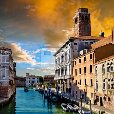 Постер Венеция Цвета в ВенецииВенеция<br>Постер на холсте или бумаге. Любого нужного вам размера. В раме или без. Подвес в комплекте. Трехслойная надежная упаковка. Доставим в любую точку России. Вам осталось только повесить картину на стену!<br>