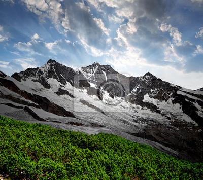 Постер Альпийский пейзаж Dom и Taschhorn - швейцарских АльпахАльпийский пейзаж<br>Постер на холсте или бумаге. Любого нужного вам размера. В раме или без. Подвес в комплекте. Трехслойная надежная упаковка. Доставим в любую точку России. Вам осталось только повесить картину на стену!<br>