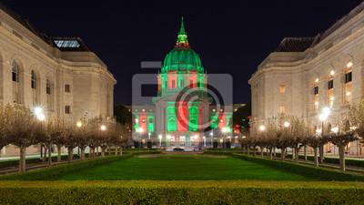 Постер Сан-Франциско San Francisco City HallСан-Франциско<br>Постер на холсте или бумаге. Любого нужного вам размера. В раме или без. Подвес в комплекте. Трехслойная надежная упаковка. Доставим в любую точку России. Вам осталось только повесить картину на стену!<br>
