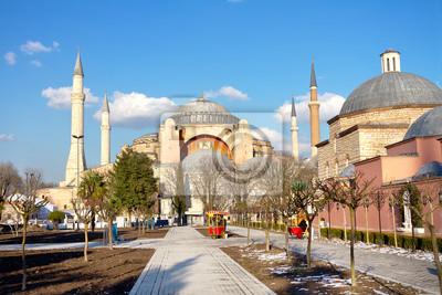Постер Стамбул Собор Святой Софии, Стамбул ЗимойСтамбул<br>Постер на холсте или бумаге. Любого нужного вам размера. В раме или без. Подвес в комплекте. Трехслойная надежная упаковка. Доставим в любую точку России. Вам осталось только повесить картину на стену!<br>