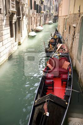Постер Города и карты Canal, Венеция, 20x30 см, на бумагеВенеция<br>Постер на холсте или бумаге. Любого нужного вам размера. В раме или без. Подвес в комплекте. Трехслойная надежная упаковка. Доставим в любую точку России. Вам осталось только повесить картину на стену!<br>