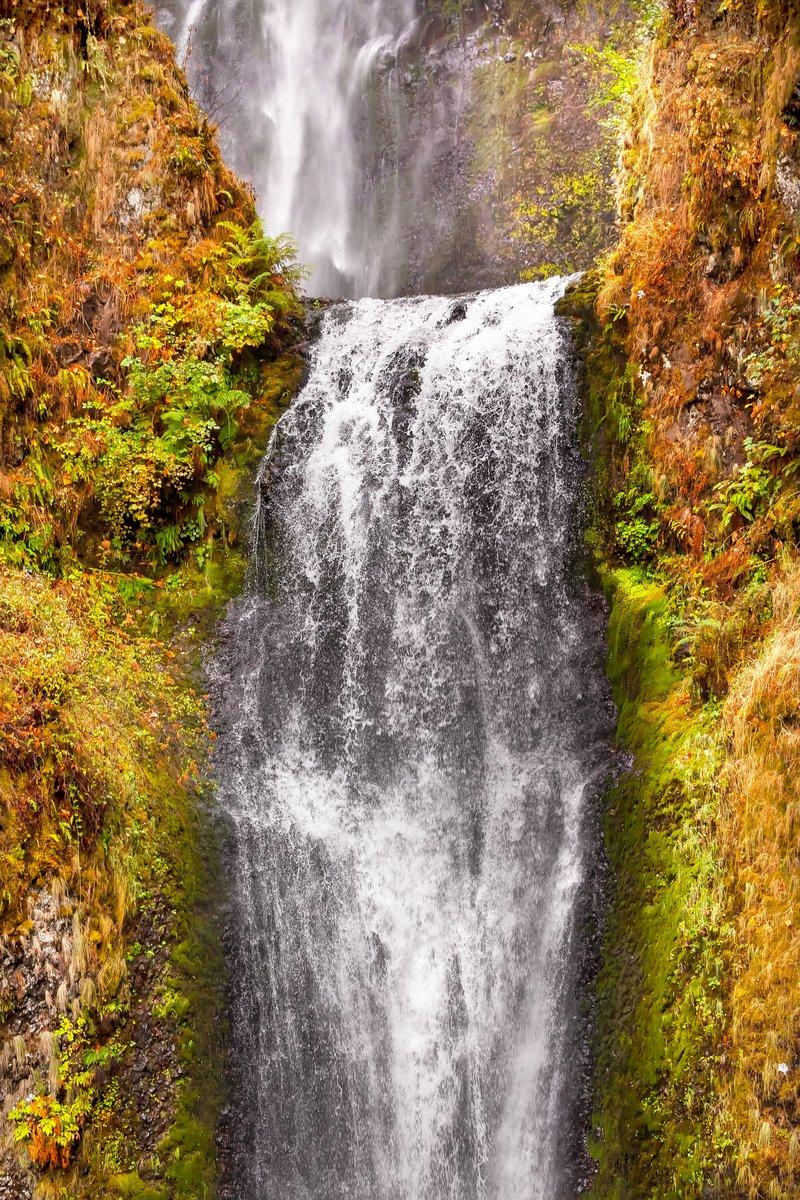 Постер Водопады Малтнома Падает Водопад Columbia River Gorge ОрегонВодопады<br>Постер на холсте или бумаге. Любого нужного вам размера. В раме или без. Подвес в комплекте. Трехслойная надежная упаковка. Доставим в любую точку России. Вам осталось только повесить картину на стену!<br>