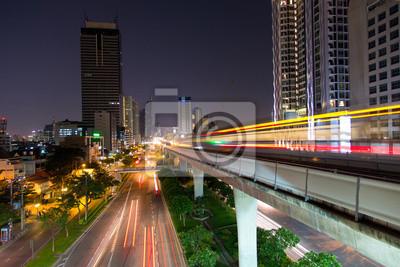 Постер Бангкок Skytrain в Бангкоке, ТаиландБангкок<br>Постер на холсте или бумаге. Любого нужного вам размера. В раме или без. Подвес в комплекте. Трехслойная надежная упаковка. Доставим в любую точку России. Вам осталось только повесить картину на стену!<br>