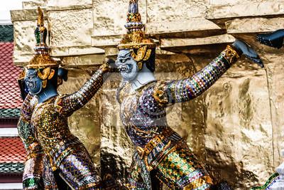 Постер Бангкок Традиционной тайской архитектуры Grand Palace, БангкокБангкок<br>Постер на холсте или бумаге. Любого нужного вам размера. В раме или без. Подвес в комплекте. Трехслойная надежная упаковка. Доставим в любую точку России. Вам осталось только повесить картину на стену!<br>