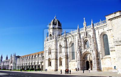 Постер Лиссабон Jeronimos старый Монастырь в Лиссабон, ПортугалияЛиссабон<br>Постер на холсте или бумаге. Любого нужного вам размера. В раме или без. Подвес в комплекте. Трехслойная надежная упаковка. Доставим в любую точку России. Вам осталось только повесить картину на стену!<br>