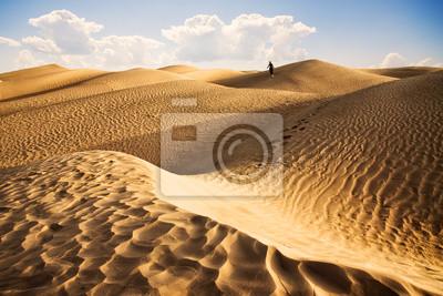 Постер Тунис Закат в пустыне сахара - Douz Тунис.Тунис<br>Постер на холсте или бумаге. Любого нужного вам размера. В раме или без. Подвес в комплекте. Трехслойная надежная упаковка. Доставим в любую точку России. Вам осталось только повесить картину на стену!<br>