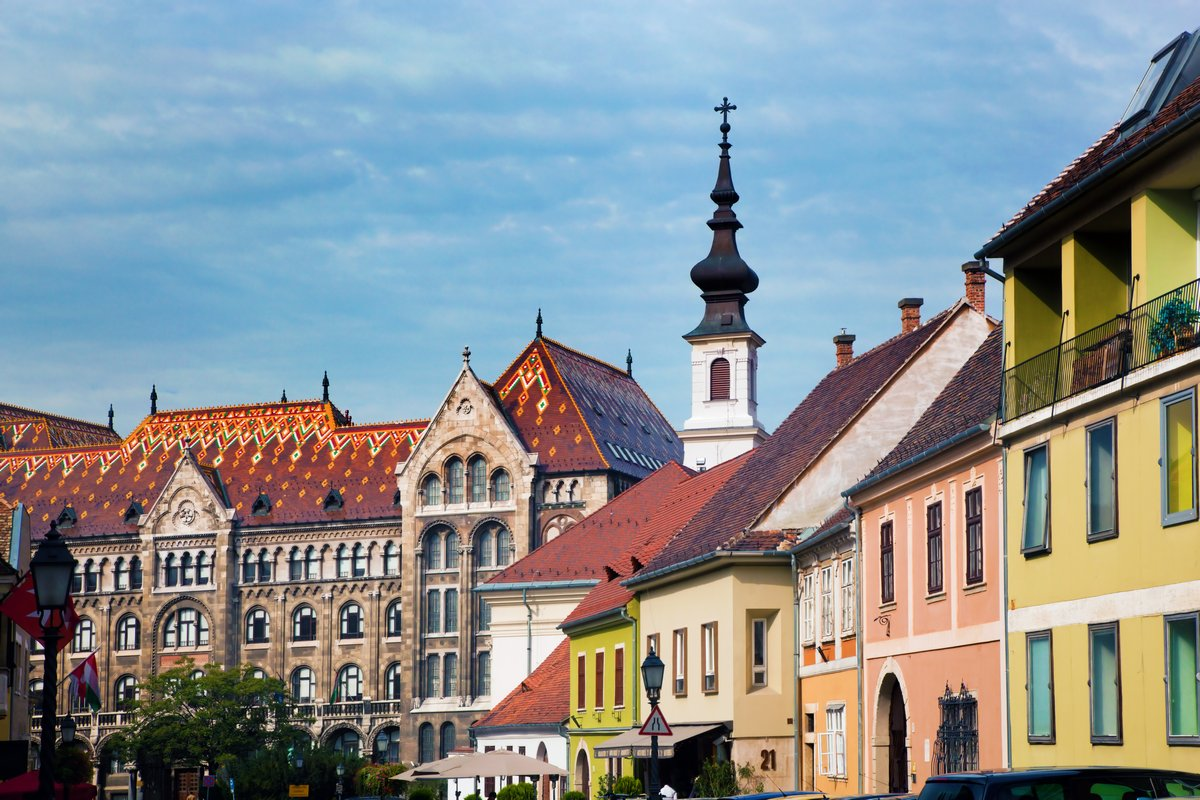 Постер Венгрия Старый город зданий в Будапеште, ВенгрияВенгрия<br>Постер на холсте или бумаге. Любого нужного вам размера. В раме или без. Подвес в комплекте. Трехслойная надежная упаковка. Доставим в любую точку России. Вам осталось только повесить картину на стену!<br>