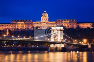 Постер Будапешт Замок Буда и Цепной Мост. Будапешт, ВенгрияБудапешт<br>Постер на холсте или бумаге. Любого нужного вам размера. В раме или без. Подвес в комплекте. Трехслойная надежная упаковка. Доставим в любую точку России. Вам осталось только повесить картину на стену!<br>