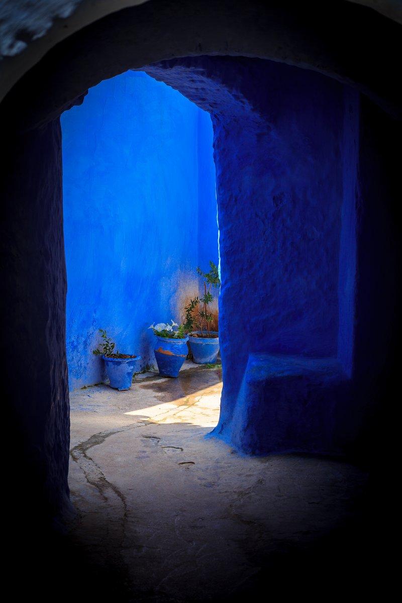 Дом, подъезд, часть синий город, как чефчаоун, Марокко, 20x30 см, на бумагеМарокко<br>Постер на холсте или бумаге. Любого нужного вам размера. В раме или без. Подвес в комплекте. Трехслойная надежная упаковка. Доставим в любую точку России. Вам осталось только повесить картину на стену!<br>