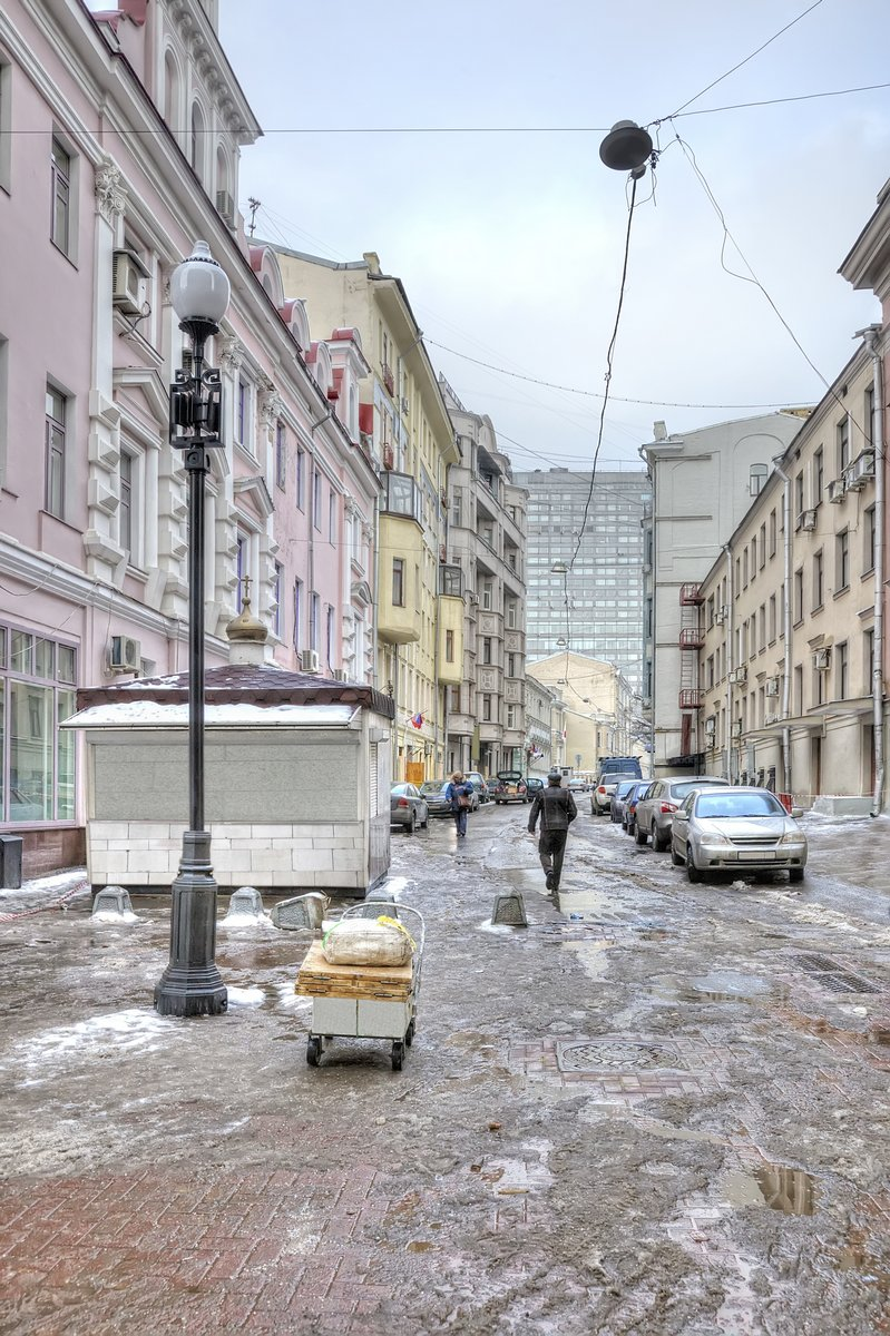 Постер Москва Улица, на АрбатеМосква<br>Постер на холсте или бумаге. Любого нужного вам размера. В раме или без. Подвес в комплекте. Трехслойная надежная упаковка. Доставим в любую точку России. Вам осталось только повесить картину на стену!<br>