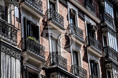 Постер Мадрид Архитектура в Spain.Old дома в Мадриде.Мадрид<br>Постер на холсте или бумаге. Любого нужного вам размера. В раме или без. Подвес в комплекте. Трехслойная надежная упаковка. Доставим в любую точку России. Вам осталось только повесить картину на стену!<br>