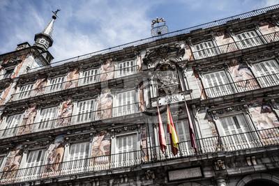 Постер Мадрид Фасадом и балконами на Palza Mayor,Мадрид,ИспанияМадрид<br>Постер на холсте или бумаге. Любого нужного вам размера. В раме или без. Подвес в комплекте. Трехслойная надежная упаковка. Доставим в любую точку России. Вам осталось только повесить картину на стену!<br>