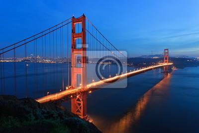 Постер Сан-Франциско Мост Золотые ВоротаСан-Франциско<br>Постер на холсте или бумаге. Любого нужного вам размера. В раме или без. Подвес в комплекте. Трехслойная надежная упаковка. Доставим в любую точку России. Вам осталось только повесить картину на стену!<br>