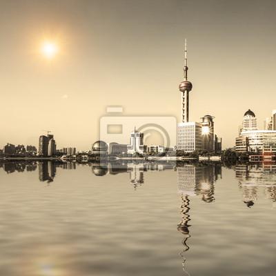 Постер Шанхай Современный город с отражениемШанхай<br>Постер на холсте или бумаге. Любого нужного вам размера. В раме или без. Подвес в комплекте. Трехслойная надежная упаковка. Доставим в любую точку России. Вам осталось только повесить картину на стену!<br>
