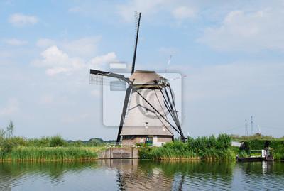 Ветряная мельница в киндердейк - Голландии, 30x20 см, на бумагеМельницы<br>Постер на холсте или бумаге. Любого нужного вам размера. В раме или без. Подвес в комплекте. Трехслойная надежная упаковка. Доставим в любую точку России. Вам осталось только повесить картину на стену!<br>