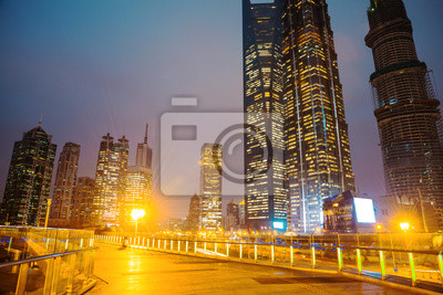 Постер Шанхай Ночная сцена современного городаШанхай<br>Постер на холсте или бумаге. Любого нужного вам размера. В раме или без. Подвес в комплекте. Трехслойная надежная упаковка. Доставим в любую точку России. Вам осталось только повесить картину на стену!<br>