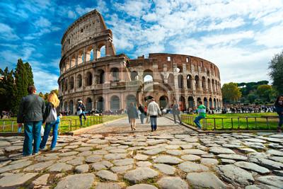 Постер Италия Величественный Амфитеатр Колизей, Рим, Италия.Италия<br>Постер на холсте или бумаге. Любого нужного вам размера. В раме или без. Подвес в комплекте. Трехслойная надежная упаковка. Доставим в любую точку России. Вам осталось только повесить картину на стену!<br>
