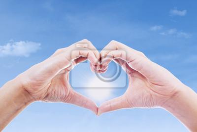 Жест любви и солнца, 30x20 см, на бумаге02.14 День Святого Валентина (День всех влюбленных)<br>Постер на холсте или бумаге. Любого нужного вам размера. В раме или без. Подвес в комплекте. Трехслойная надежная упаковка. Доставим в любую точку России. Вам осталось только повесить картину на стену!<br>