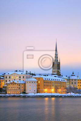 Постер Стокгольм Gamla Stan Старый Город СтокгольмСтокгольм<br>Постер на холсте или бумаге. Любого нужного вам размера. В раме или без. Подвес в комплекте. Трехслойная надежная упаковка. Доставим в любую точку России. Вам осталось только повесить картину на стену!<br>
