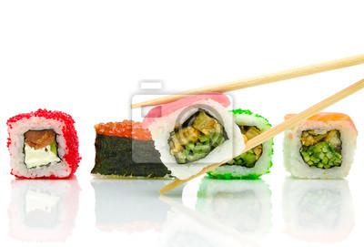 Постер Еда и напитки Японские суши и палочки для еды на белом фоне, 30x20 см, на бумагеСуши<br>Постер на холсте или бумаге. Любого нужного вам размера. В раме или без. Подвес в комплекте. Трехслойная надежная упаковка. Доставим в любую точку России. Вам осталось только повесить картину на стену!<br>