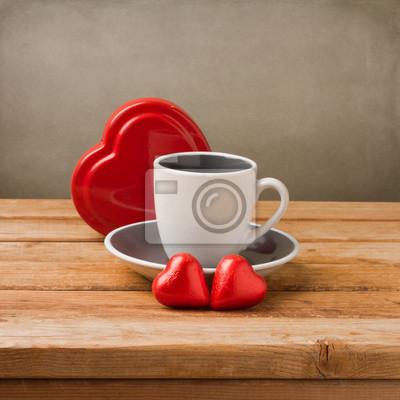 Чашку с кофе форме сердца шоколада на деревянный стол, 20x20 см, на бумагеЧай<br>Постер на холсте или бумаге. Любого нужного вам размера. В раме или без. Подвес в комплекте. Трехслойная надежная упаковка. Доставим в любую точку России. Вам осталось только повесить картину на стену!<br>