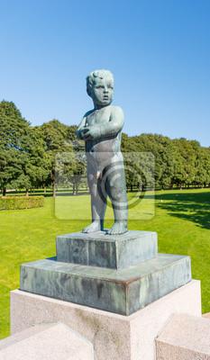 Постер Осло Frogner park мальчик статуяОсло<br>Постер на холсте или бумаге. Любого нужного вам размера. В раме или без. Подвес в комплекте. Трехслойная надежная упаковка. Доставим в любую точку России. Вам осталось только повесить картину на стену!<br>