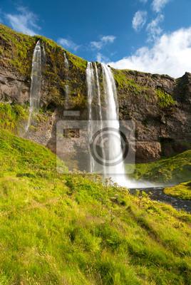 Постер Водопады Прато e cascata di Seljalandsfoss в IslandaВодопады<br>Постер на холсте или бумаге. Любого нужного вам размера. В раме или без. Подвес в комплекте. Трехслойная надежная упаковка. Доставим в любую точку России. Вам осталось только повесить картину на стену!<br>