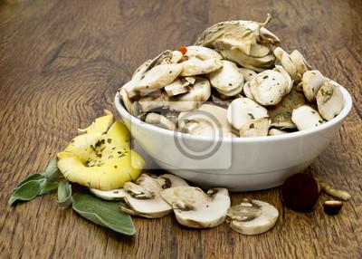 Постер Грибы Нарезанные грибы для приготовления пищиГрибы<br>Постер на холсте или бумаге. Любого нужного вам размера. В раме или без. Подвес в комплекте. Трехслойная надежная упаковка. Доставим в любую точку России. Вам осталось только повесить картину на стену!<br>
