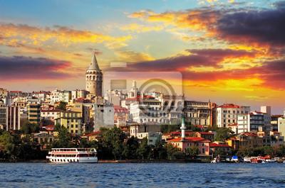 Постер Страны Стамбул на закате - Галата района, Турция, 30x20 см, на бумагеТурция<br>Постер на холсте или бумаге. Любого нужного вам размера. В раме или без. Подвес в комплекте. Трехслойная надежная упаковка. Доставим в любую точку России. Вам осталось только повесить картину на стену!<br>