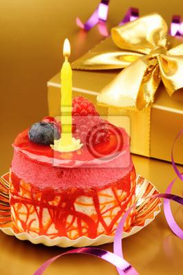 Постер Еда и напитки Красочный праздничный торт со свечкой, 20x30 см, на бумагеДесерт<br>Постер на холсте или бумаге. Любого нужного вам размера. В раме или без. Подвес в комплекте. Трехслойная надежная упаковка. Доставим в любую точку России. Вам осталось только повесить картину на стену!<br>