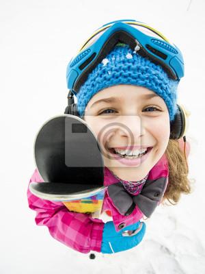 Постер Спорт Катание на лыжах, зимние виды спорта - портрет молодой лыжник, 20x27 см, на бумагеГорные лыжи<br>Постер на холсте или бумаге. Любого нужного вам размера. В раме или без. Подвес в комплекте. Трехслойная надежная упаковка. Доставим в любую точку России. Вам осталось только повесить картину на стену!<br>