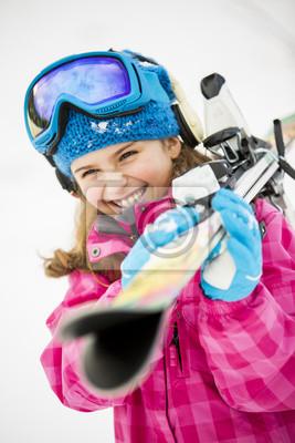 Катание на лыжах, зимние виды спорта - портрет прелестной молодой лыжник, 20x30 см, на бумагеГорные лыжи<br>Постер на холсте или бумаге. Любого нужного вам размера. В раме или без. Подвес в комплекте. Трехслойная надежная упаковка. Доставим в любую точку России. Вам осталось только повесить картину на стену!<br>