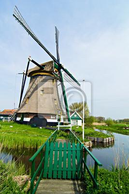Ветряные мельницы в Голландии, 20x30 см, на бумагеМельницы<br>Постер на холсте или бумаге. Любого нужного вам размера. В раме или без. Подвес в комплекте. Трехслойная надежная упаковка. Доставим в любую точку России. Вам осталось только повесить картину на стену!<br>