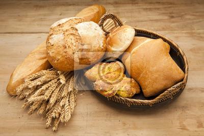 Постер Еда и напитки Ассортимент свежеиспеченного хлеба на деревянный стол, 30x20 см, на бумагеХлеб<br>Постер на холсте или бумаге. Любого нужного вам размера. В раме или без. Подвес в комплекте. Трехслойная надежная упаковка. Доставим в любую точку России. Вам осталось только повесить картину на стену!<br>