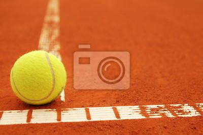 Постер Спорт Tennisball на линии mit Copyspace, 30x20 см, на бумагеБольшой теннис<br>Постер на холсте или бумаге. Любого нужного вам размера. В раме или без. Подвес в комплекте. Трехслойная надежная упаковка. Доставим в любую точку России. Вам осталось только повесить картину на стену!<br>