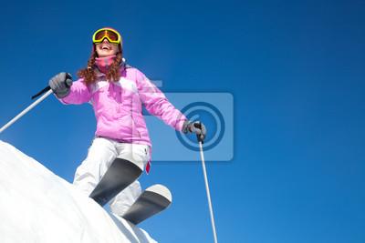 Постер Спорт Девушка на горных лыжах, 30x20 см, на бумагеГорные лыжи<br>Постер на холсте или бумаге. Любого нужного вам размера. В раме или без. Подвес в комплекте. Трехслойная надежная упаковка. Доставим в любую точку России. Вам осталось только повесить картину на стену!<br>
