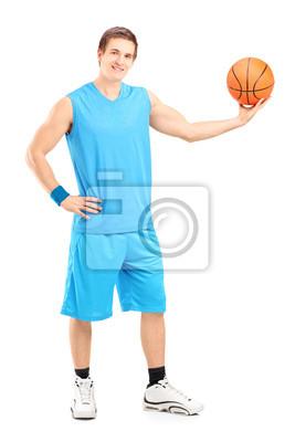 Постер Баскетбол Полная длина портрет баскетболист позируетБаскетбол<br>Постер на холсте или бумаге. Любого нужного вам размера. В раме или без. Подвес в комплекте. Трехслойная надежная упаковка. Доставим в любую точку России. Вам осталось только повесить картину на стену!<br>