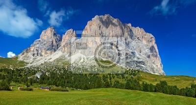 Постер Альпийский пейзаж Доломитовые горыАльпийский пейзаж<br>Постер на холсте или бумаге. Любого нужного вам размера. В раме или без. Подвес в комплекте. Трехслойная надежная упаковка. Доставим в любую точку России. Вам осталось только повесить картину на стену!<br>